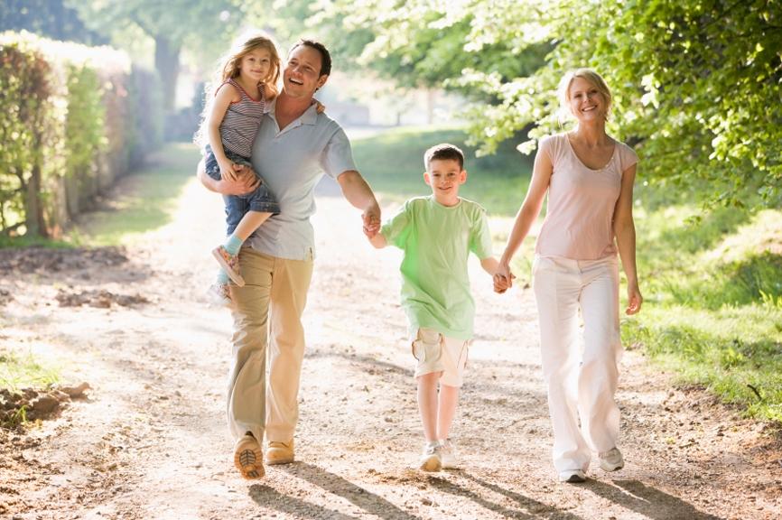Biz anne baba koçluğu çalışmalarımızda önce anne ve babanın
